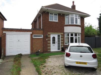 Wondrous 3 Bed Detached House For Sale 100 Brabazon Road Oadby Home Remodeling Inspirations Cosmcuboardxyz