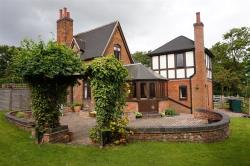 Semi Detached House For Sale Allesley Coventry West Midlands CV5