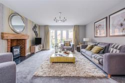 Detached House For Sale Copthorne Crawley West Sussex RH10
