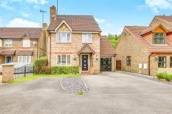 Detached House For Sale Maidenbower Crawley West Sussex RH10
