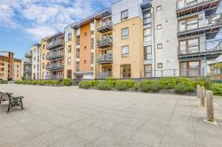 Flat For Sale Commonwealth Drive Crawley West Sussex RH10