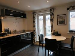 Terraced House To Let  BRISTOL Avon BS7