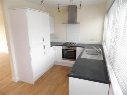 Terraced House To Let  PLYMOUTH Devon PL9