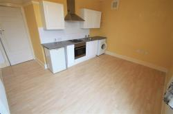 Flat To Let Crawley Green Road LUTON Hertfordshire LU2