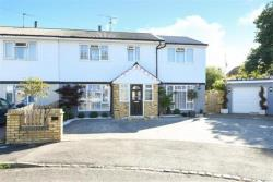 Semi Detached House To Let  Aylesbury Buckinghamshire HP21