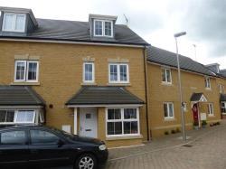 Terraced House To Let Oxley Park MILTON KEYNES Buckinghamshire MK4