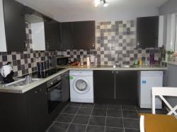 Semi Detached House To Let Furzton MILTON KEYNES Buckinghamshire MK4