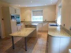Detached House To Let Whaddon MILTON KEYNES Buckinghamshire MK17