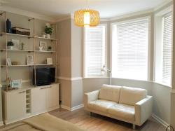 Flat To Let 13 Durley Gardens Bournemouth Dorset BH1