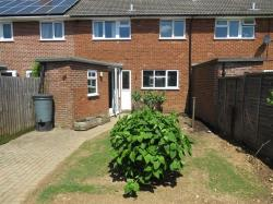 Terraced House To Let  BASINGSTOKE Hampshire RG22
