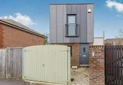 Detached House To Let  SOUTHAMPTON Hampshire SO15