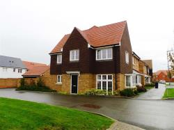 Terraced House To Let Finberry Ashford Kent TN25