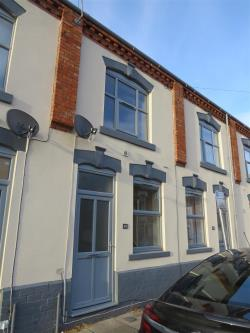 Terraced House To Let  NORTHAMPTON Northamptonshire NN1