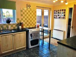 Semi Detached House To Let Barton-le-Clay BEDFORD Bedfordshire MK45