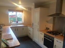 Semi Detached House To Let  DUNSTABLE Bedfordshire LU6