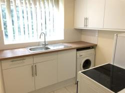 Flat To Let High Street South DUNSTABLE Bedfordshire LU6