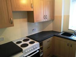 Flat To Let High Street North DUNSTABLE Bedfordshire LU6