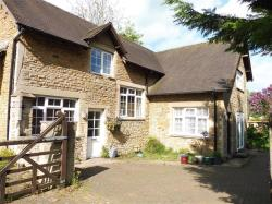 Detached House To Let Churchill Way BRACKLEY Northamptonshire NN13