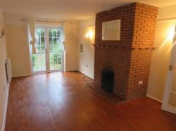 Terraced House To Let  Towcester Northamptonshire NN12