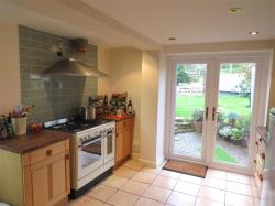 Detached House To Let Broadclyst EXETER Devon EX5