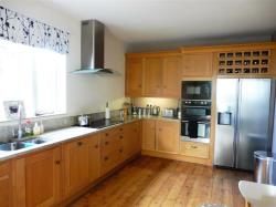 Detached House To Let Redcliffe Road TORQUAY Devon TQ1