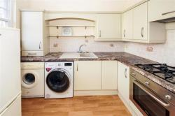 Flat To Let Melcombe Avenue WEYMOUTH Dorset DT4