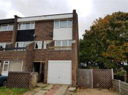 Terraced House To Let CLACTON-ON-SEA  Essex CO15
