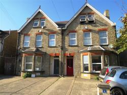 Flat To Let CLACTON-ON-SEA  Essex CO15