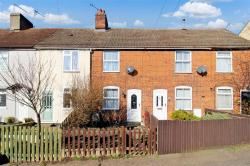 Terraced House To Let  COLCHESTER Essex CO4