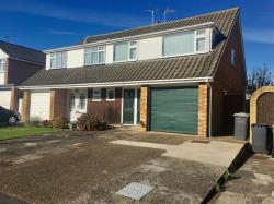 Semi Detached House To Let  RAYLEIGH Essex SS6