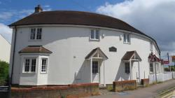 Terraced House To Let Chipperfield KINGS LANGLEY Hertfordshire WD4