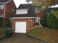 Detached House To Let  WATFORD Hertfordshire WD19