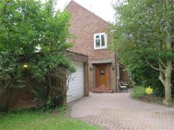 Semi Detached House To Let  Welwyn Garden City Hertfordshire AL8