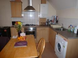 Flat To Let  CHATHAM Kent ME4