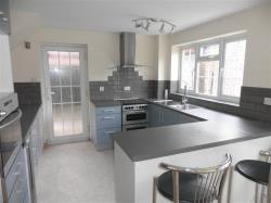 Semi Detached House To Let Oadby LEICESTER Leicestershire LE2