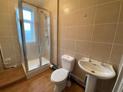 Flat To Let Oadby Leicester Leicestershire LE2