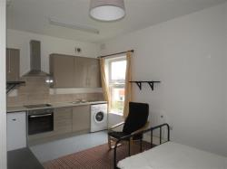 Flat To Let Nower Hill PINNER Middlesex HA5