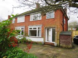 Detached House To Let Salfords REDHILL Surrey RH1