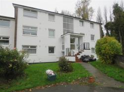Flat To Let Pages Close SUTTON COLDFIELD West Midlands B75