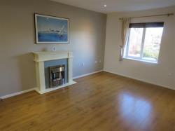 Flat To Let  WOLVERHAMPTON Staffordshire WV10