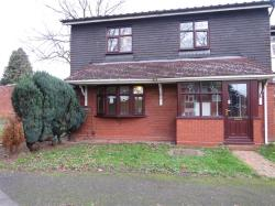 Semi Detached House To Let  WOLVERHAMPTON Staffordshire WV4