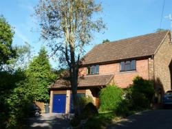 Detached House To Let Edenvale EAST GRINSTEAD West Sussex RH19