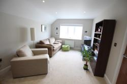 Flat To Let  New Haw Surrey KT15