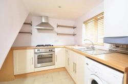 Flat To Let  Farncombe Surrey GU7