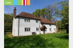 Detached House To Let  Lee Gate, Great Missenden Buckinghamshire HP16