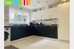 Detached House To Let   Brentwood Essex CM14