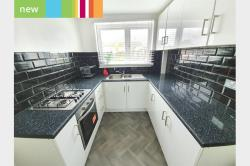 Terraced House To Let   Essex RM13