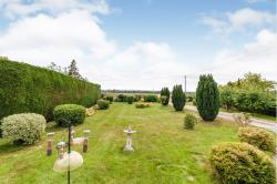 Detached Bungalow For Sale  Croydon, Royston Hertfordshire SG8