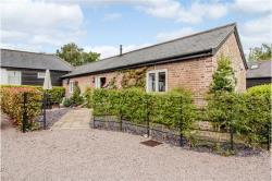 Detached House To Let  Dagnall Hertfordshire HP4