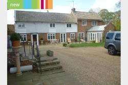 Detached House To Let  Ware Hertfordshire SG12